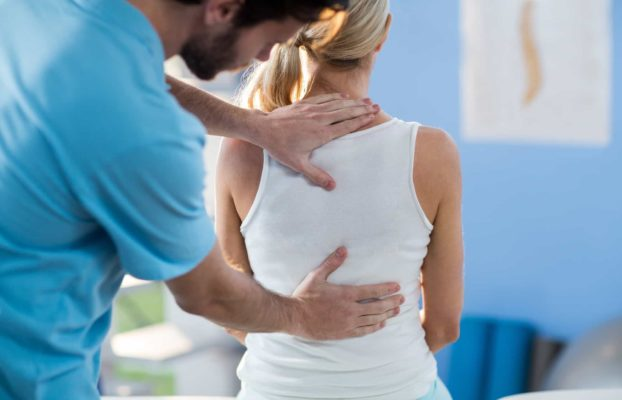 Chiropractor vs Physiotherapist: What's the Difference?